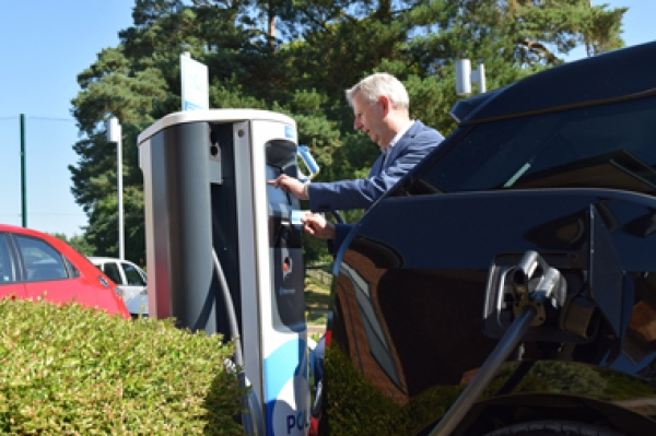 Thousands of AA hotels and B&Bs offered electric vehicle charge points